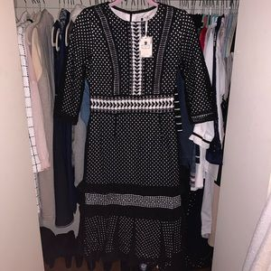 Beautiful Modest Dress ⚫️⚪️